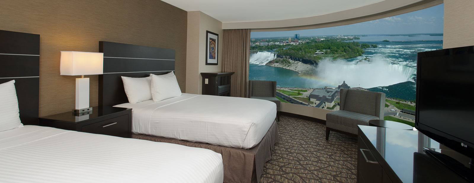 Exterior - Embassy Suites by Hilton Niagara Falls - Fallsview Hotel, Canada